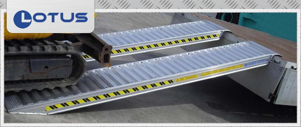 Lotus - Rampe da carico e passerelle in Alluminio - I Casoni - Podenzano, PC