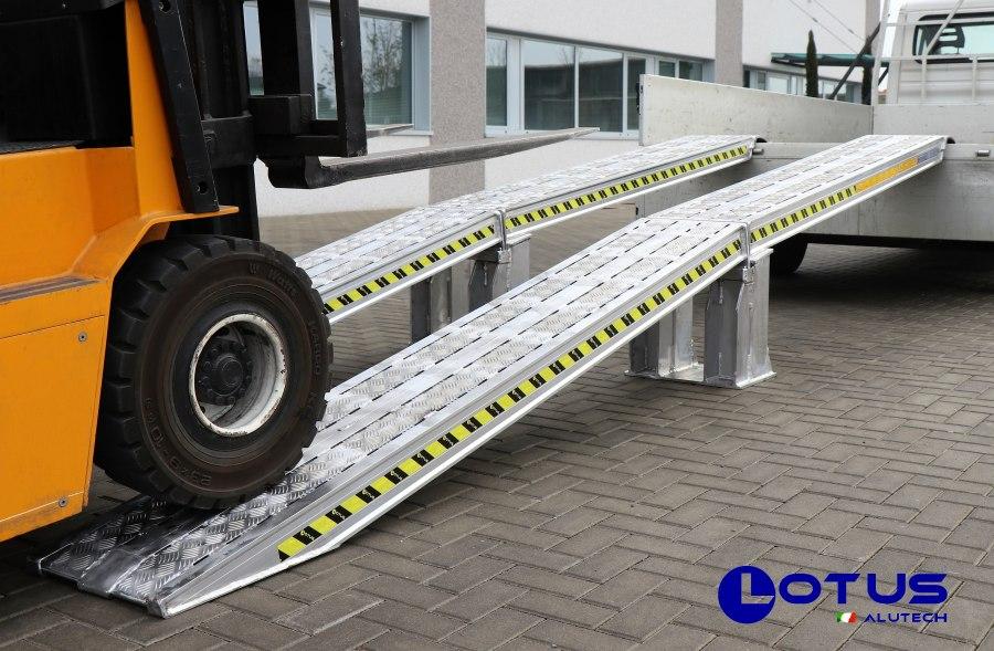 Lotus rampe da carico e passerelle in alluminio rampe for Rampe pieghevoli alluminio
